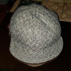 Ladies tweed hat